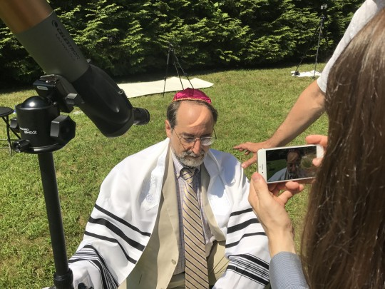 Eclipse Wedding Rabbi